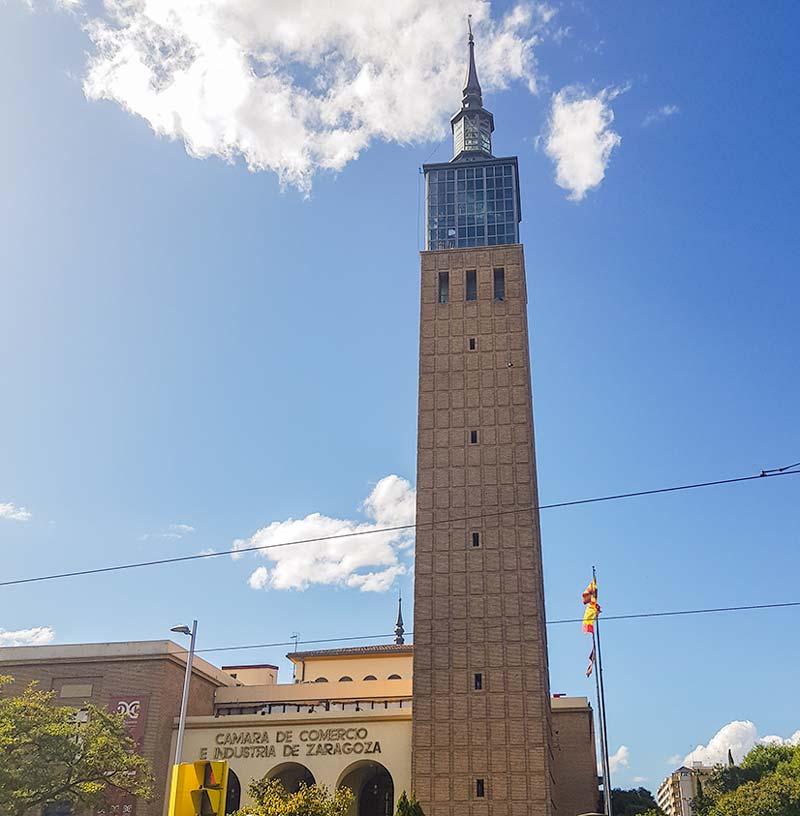 Torre de la antigua feria de muestras de Zaragoza