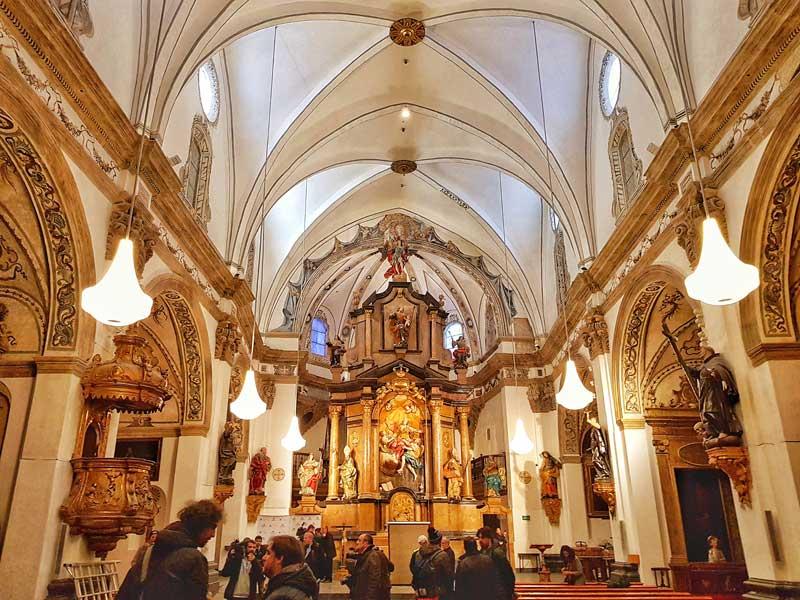 Interior de la iglesia de la Magdalena