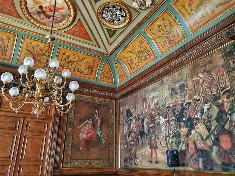 Salón del trono del palacio de Sástago